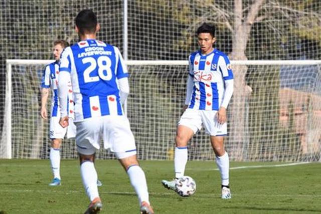 Văn Hậu thi đấu cho SC Heerenveen ở Hà Lan vào mùa trước