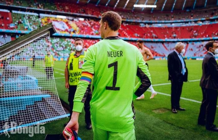 EURO 2020: UEFA ủng hộ đội trưởng Manuel Neuer đeo băng cờ lục sắc sau khi bị chỉ trích dữ dội