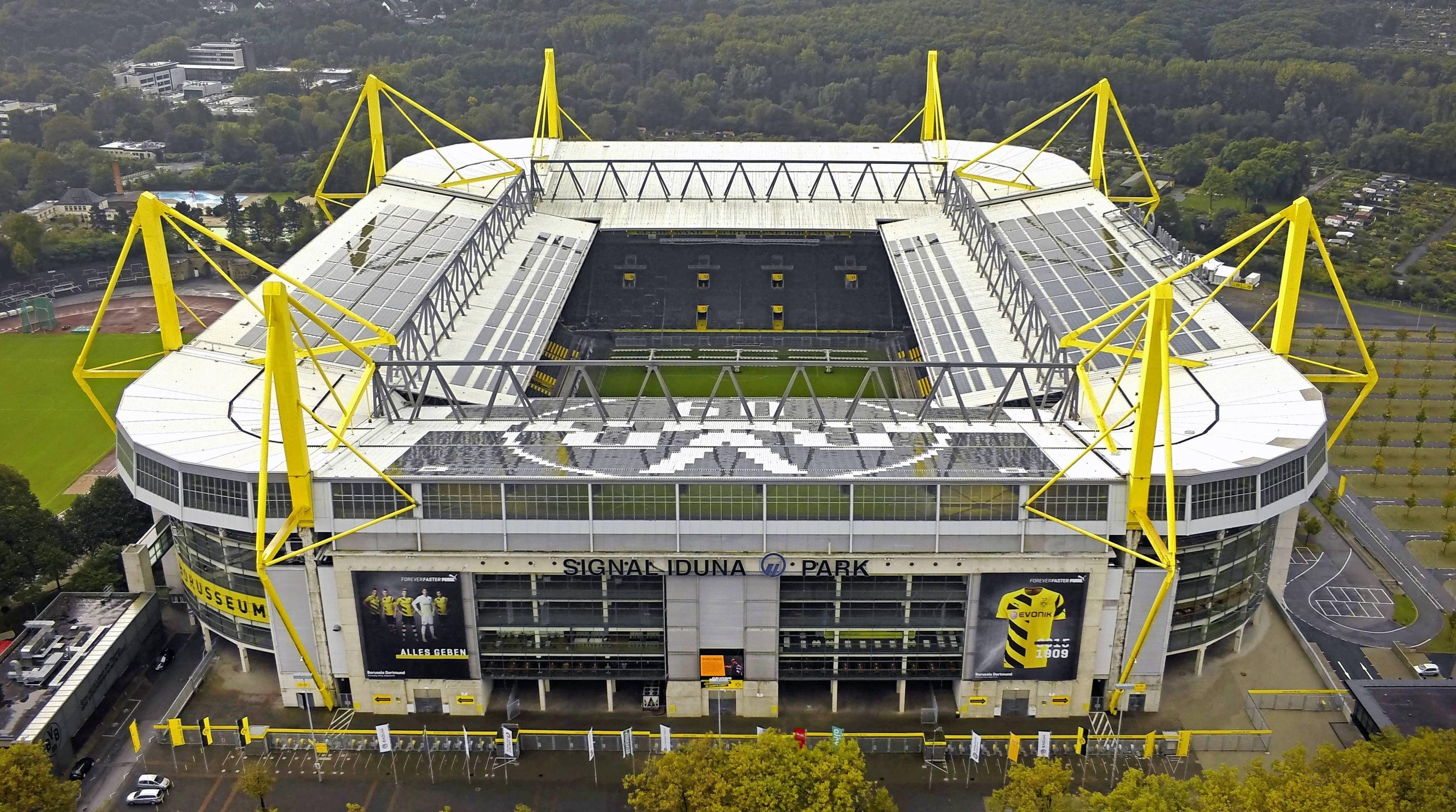Liverpool sẽ thi đấu ở Dortmund sau xác nhận chuyển địa điểm của Champions League