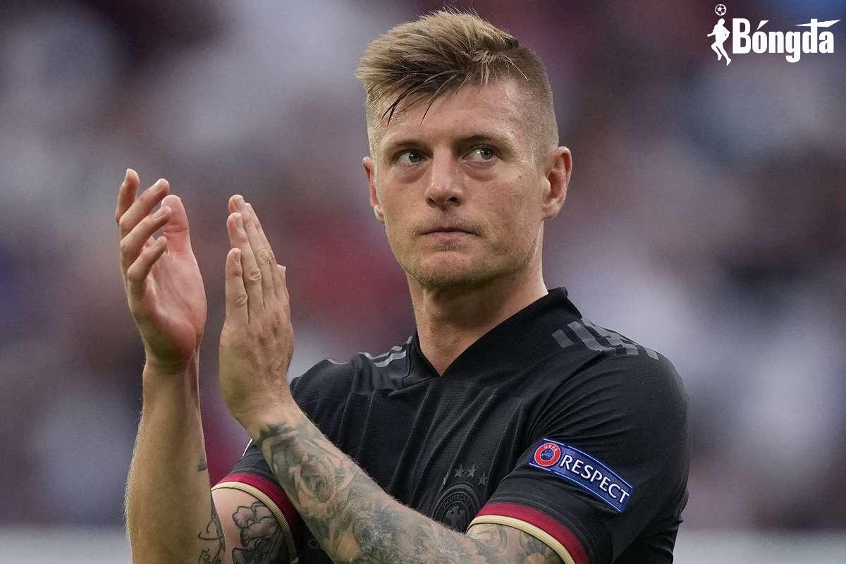 Hậu giải nghệ, Toni Kroos vẫn bị hai huyền thoại Đức chỉ trích