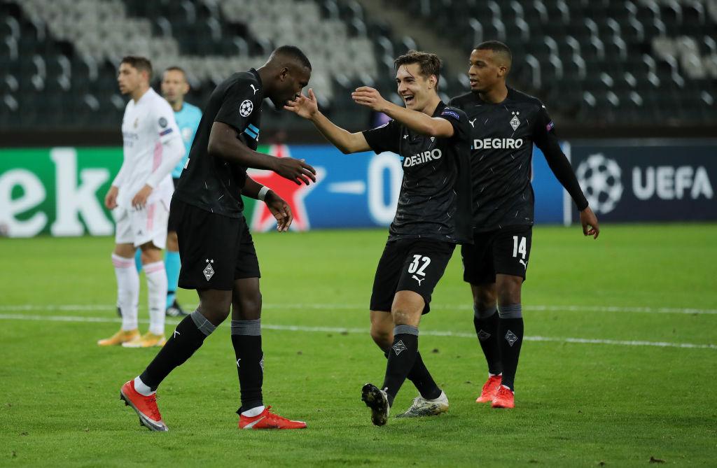 Gladbach và Leipzig vượt qua được bảng đấu khó nhằn