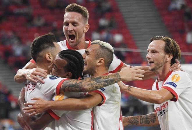 Với tỉ số 2-1, Bayern Munich giành Siêu cúp châu Âu.