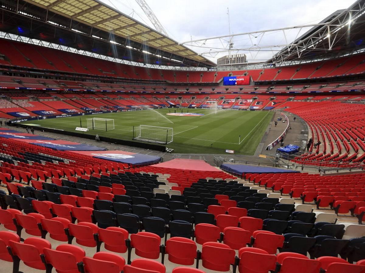 Wembley sẽ lại chật kín khán đài tại vòng chung kết Euro?