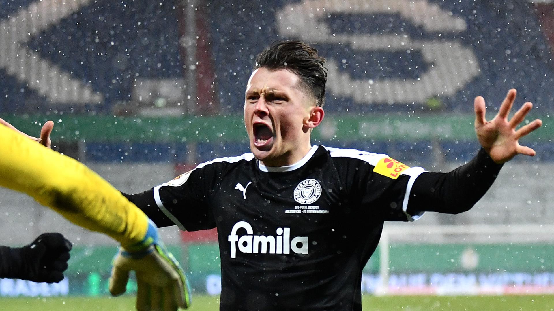 Holstein Kiel 2-2 Bayern Munich (6-5 pen): Chủ nhân của DFB-Pokal choáng váng trước đối thủ hạng hai