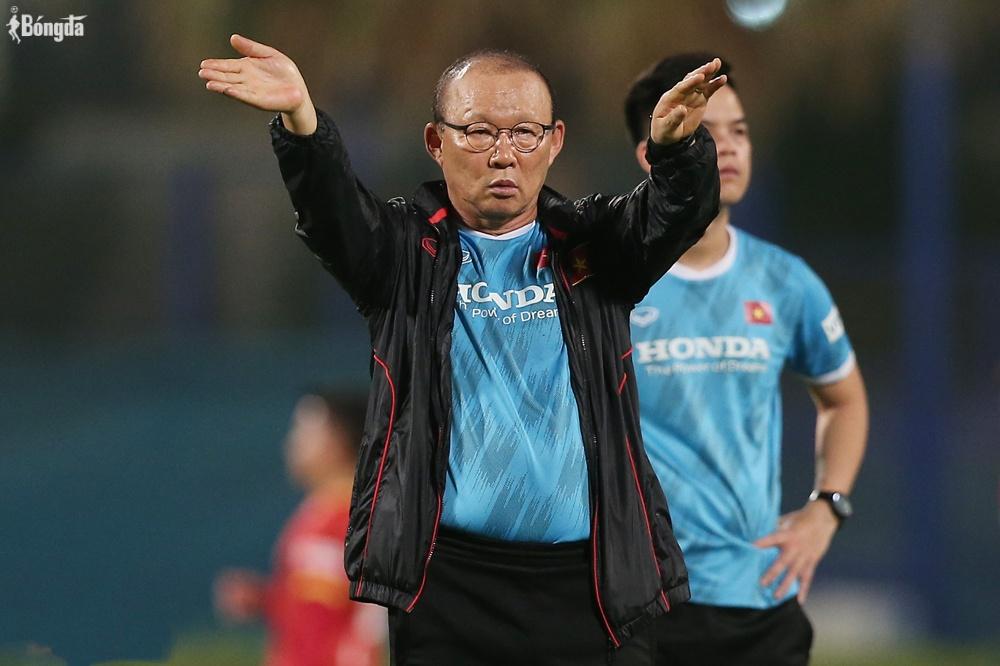 """Trước thềm World Cup 2022, HLV Park Hang Seo """"tung hoả mù"""" bổ sung lực lượng"""