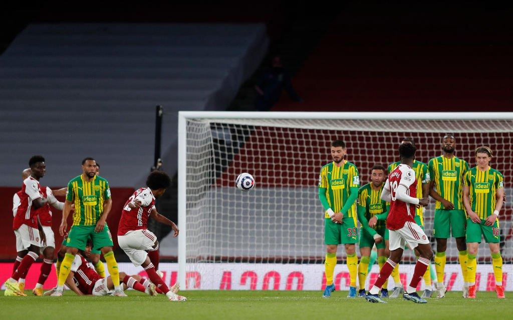 """Arsenal: Người hâm mộ """"bất ngờ"""" trước màn trình diễn của Willian"""