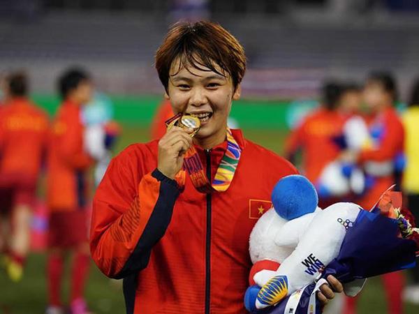 Cầu thủ nữ Việt Nam được Bồ Đào Nha săn đón