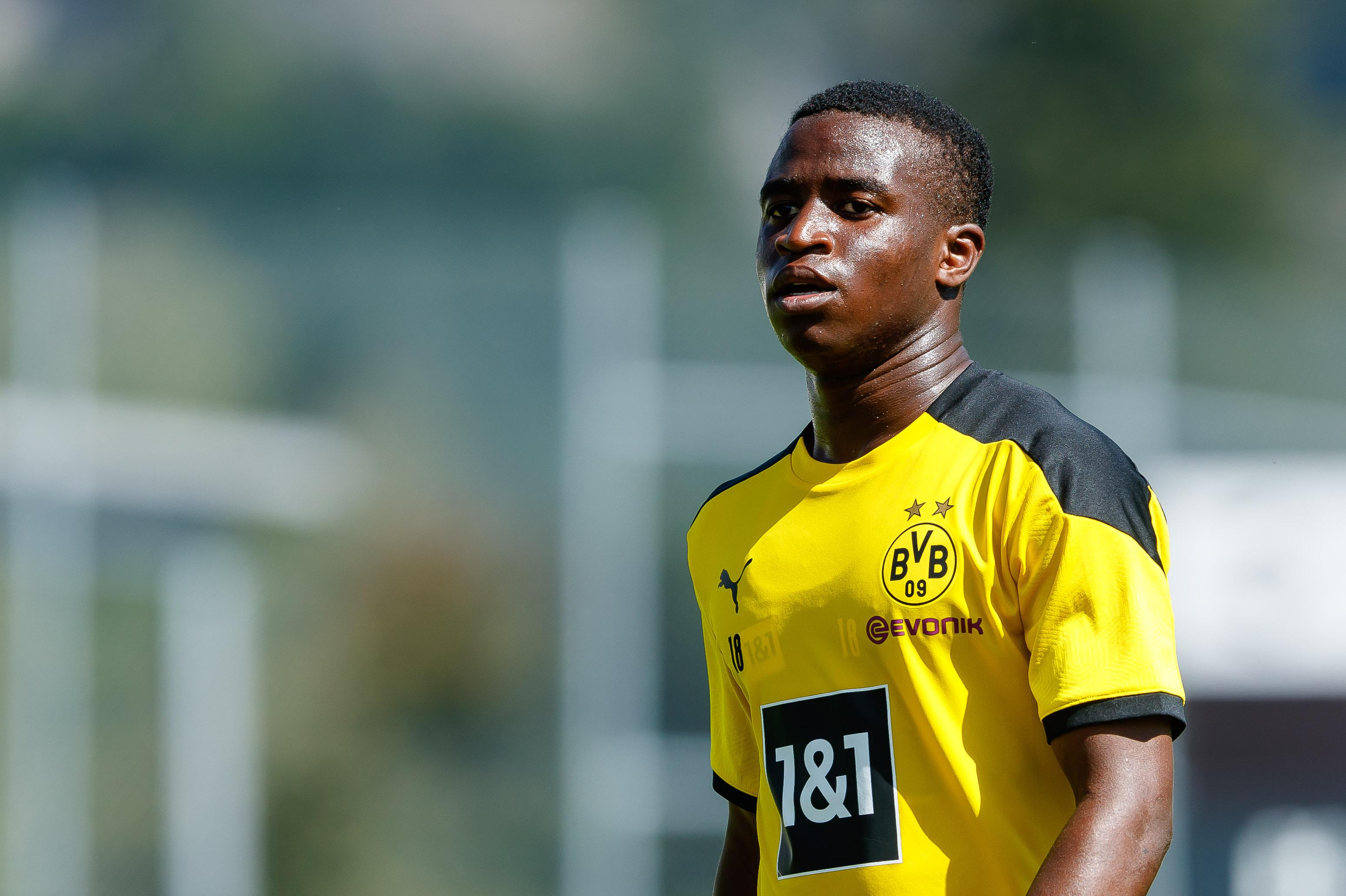 Youssoufa Moukoko: Gặp 'wunderkind' 16 tuổi của Borussia Dortmund