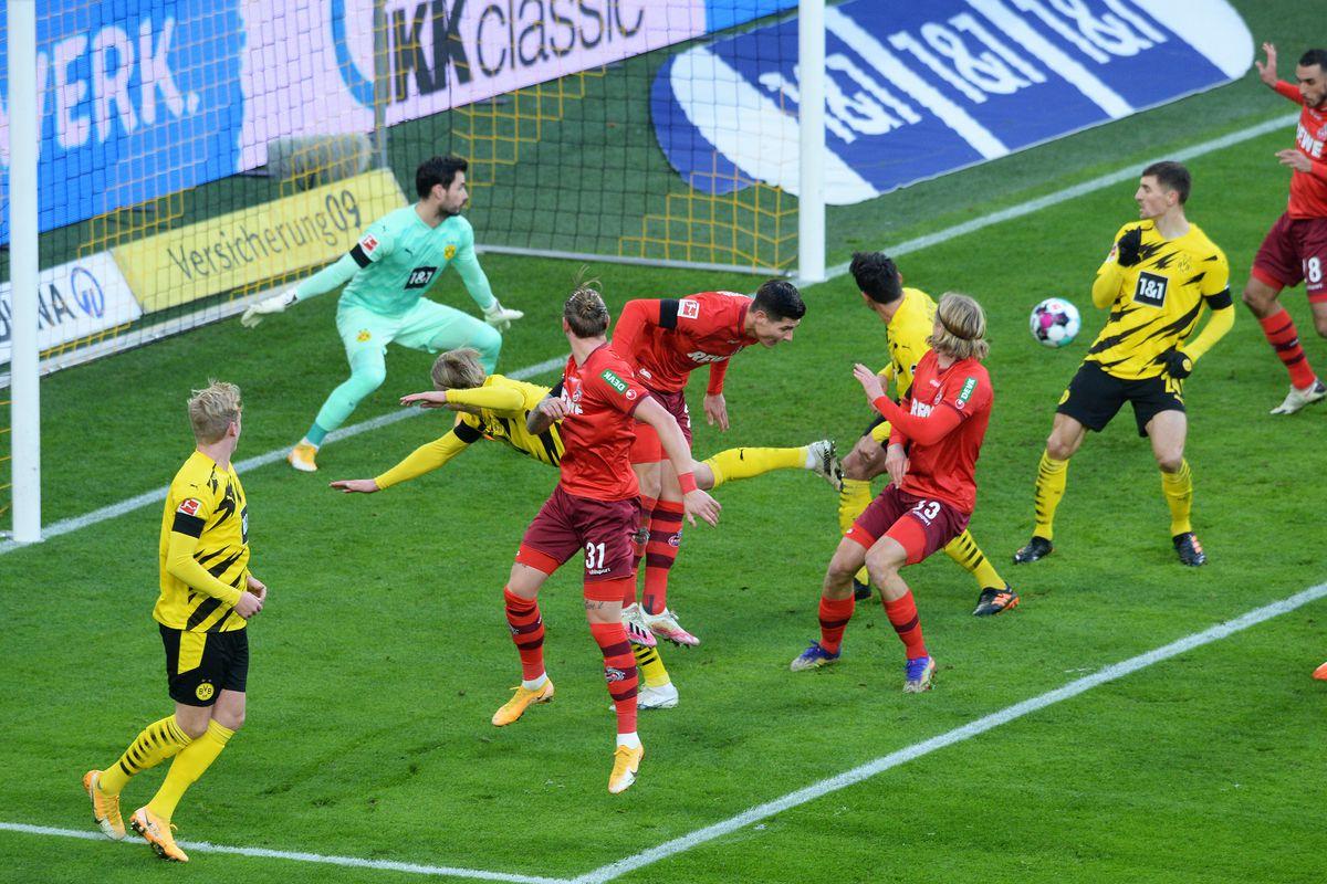 Những cơ hội bị bỏ lỡ khiến Borussia Dortmund thất bại 1-2 trước FC Köln