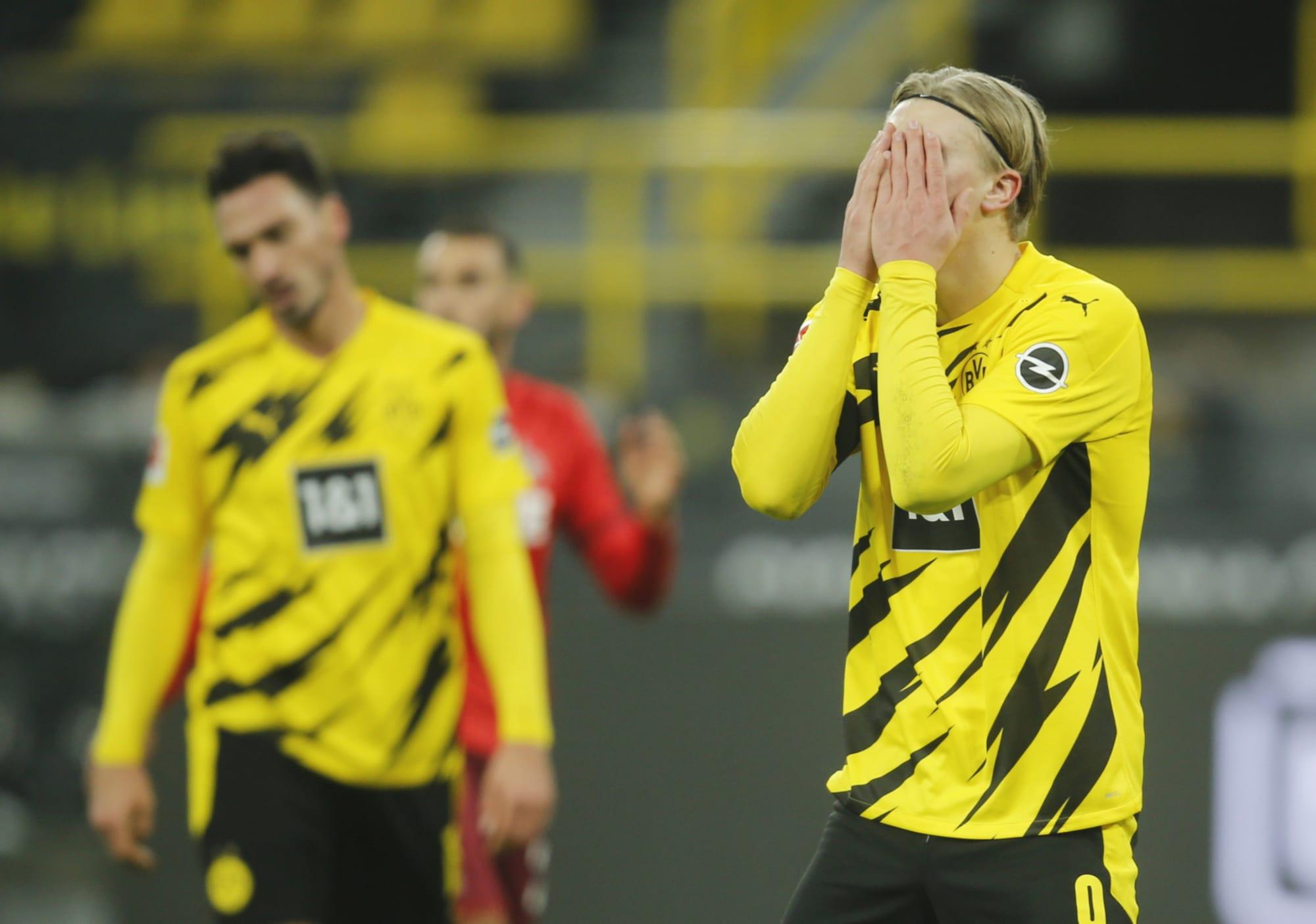 Erling Haaland bỏ lỡ cơ hội gỡ hoà khó tin cho Dortmund