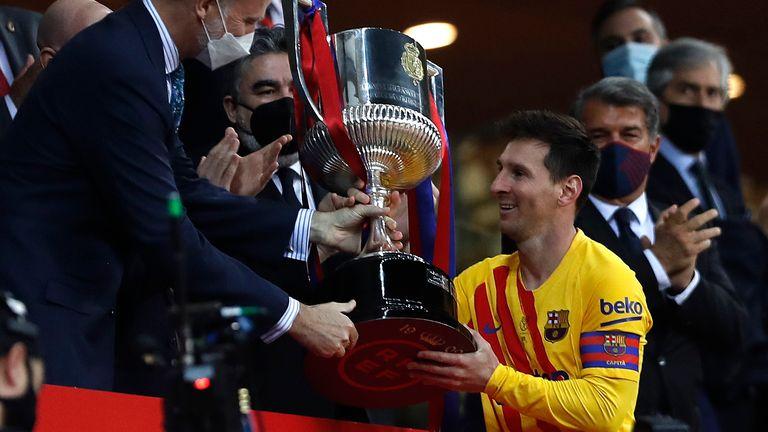 Messi phá kỷ lục ghi bàn ở Copa del Rey với cú đúp vào lưới Athletic