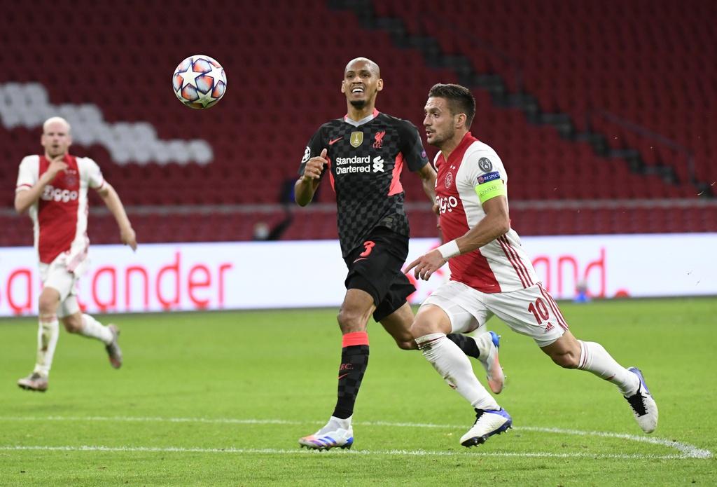 Ajax đốt đền, Liverpool ăn may