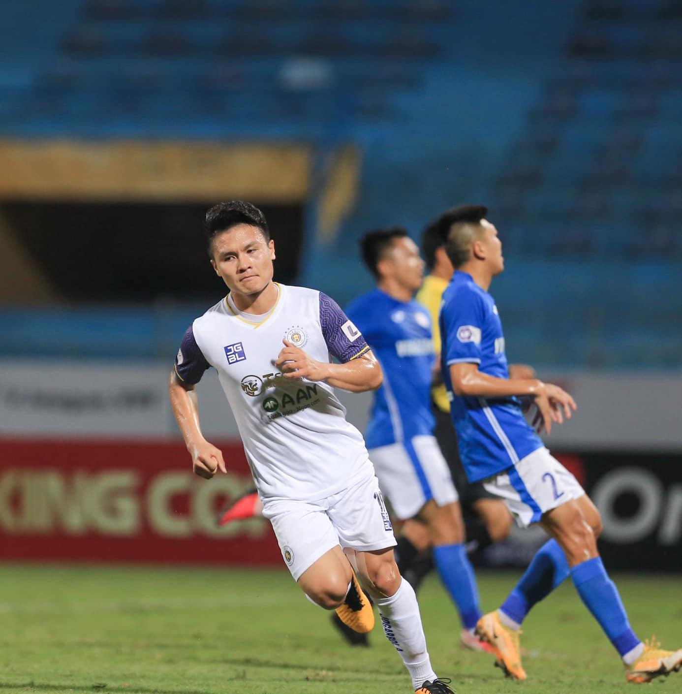 Quang Hải toả sáng, Hà Nội FC nhấn chìm Than Quảng Ninh