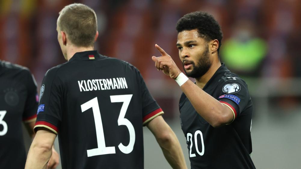 """Gnabry ghi bàn ấn định chiến thắng cho """"Cỗ xe tăng"""" Đức tại Bucharest"""