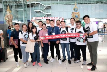 HLV Kiatisuk mất 22 giờ quá cảnh tại Hồng Kông khi đến Việt Nam