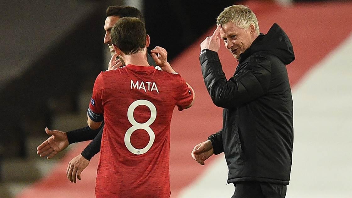 Arsenal và Manchester United dễ dàng lọt vào bán kết Europa Cup