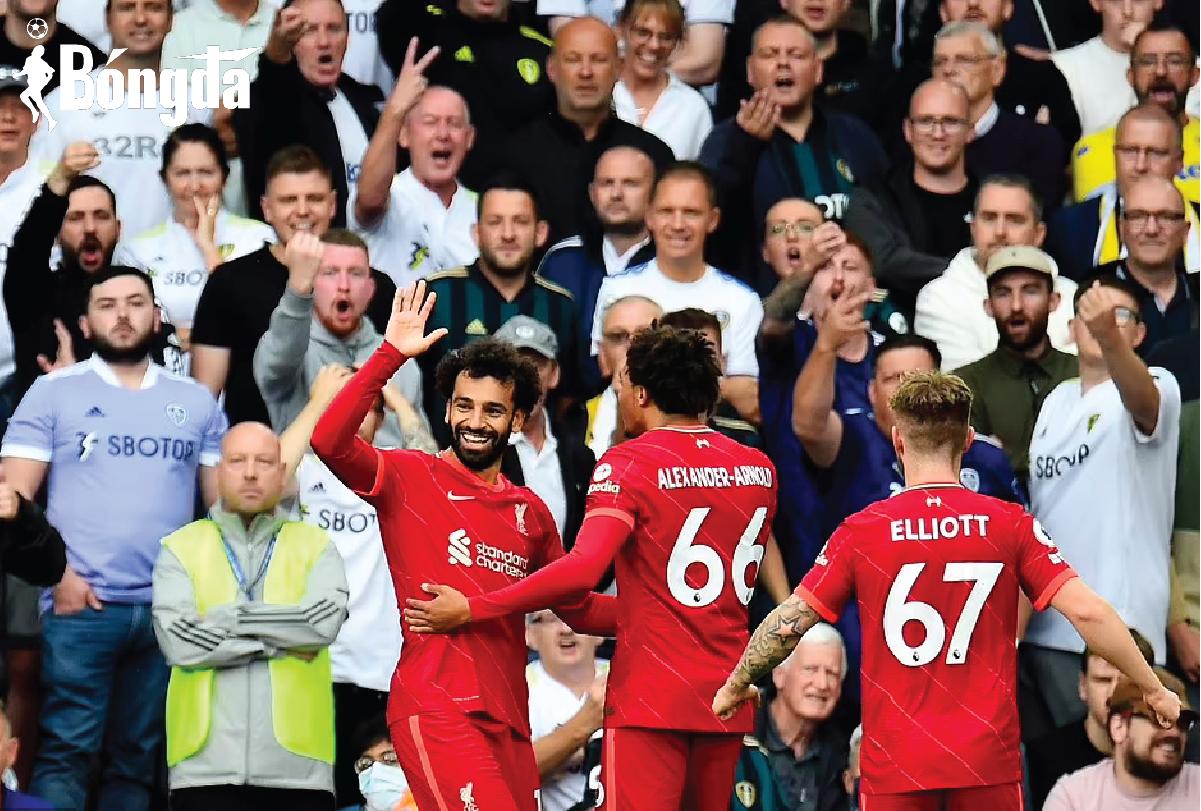 Leeds 0-3 Liverpool: Salah ghi bàn thứ 100, Elliott gặp chấn thương nghiêm trọng
