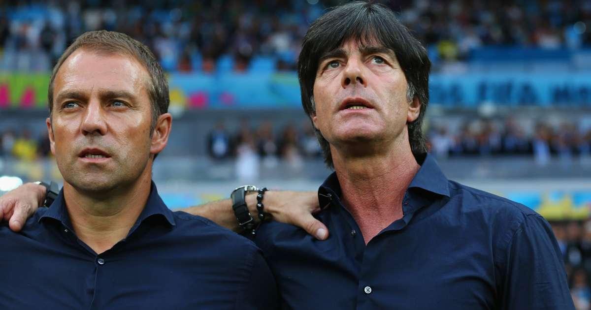 """Bayern Munich: Oliver Kahn """"dội nước"""" vào những đồn đoán xung quanh Hansi Flick"""