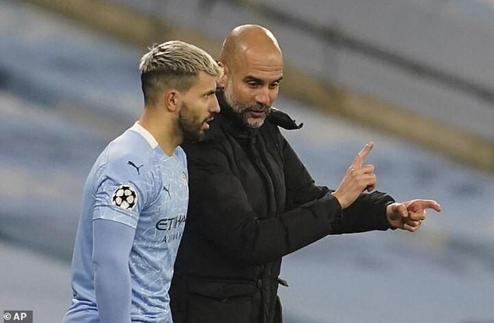 Pep Guardiola loại Sergio Aguero khỏi đội hình xuất phát của Man City trong trận derby thành Manchester