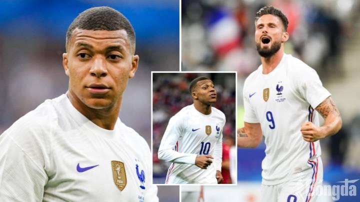 """EURO 2020: Olivier Giroud """"bóng gió"""" Mbappe, nội bộ Pháp căng thẳng trước giờ G"""